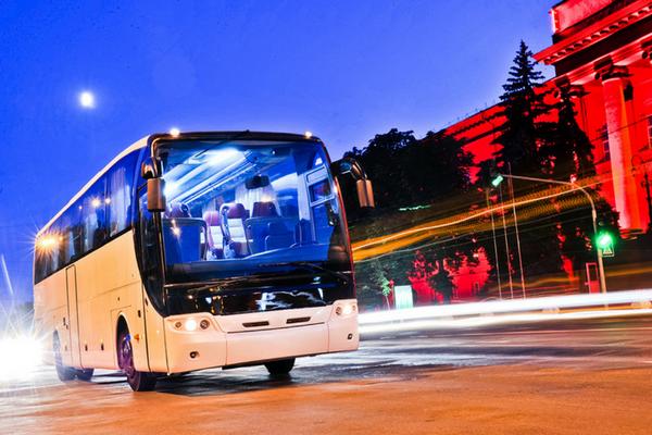 Il comfort e il relax dei viaggi in bus di notte