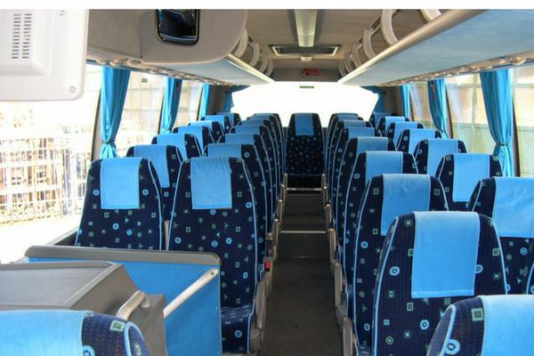 Gli italiani preferiscono il bus al treno