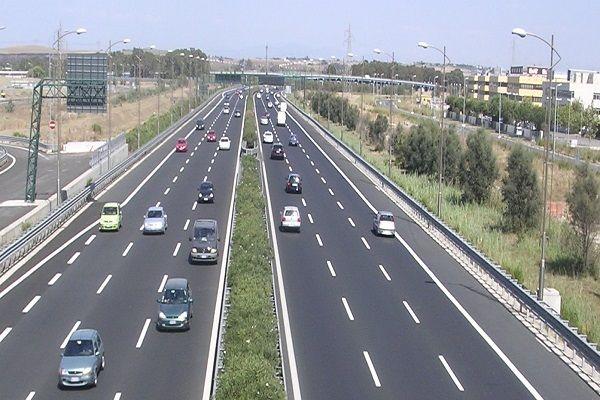 Pro e contro del limite dei 150 km/h in autostrada