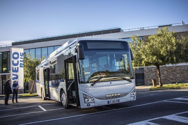 Iveco trionfa al Sustainable Bus of the Year 2020
