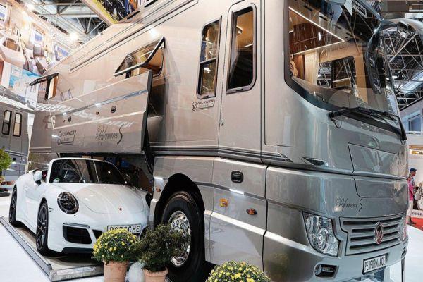 Hypercamper: il primo bus che si trasforma in un camper di lusso